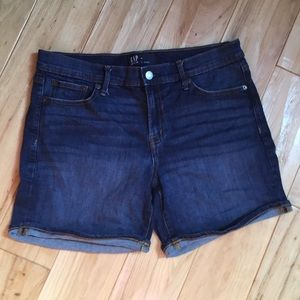 "Gap 5"" denim shorts size 29"""